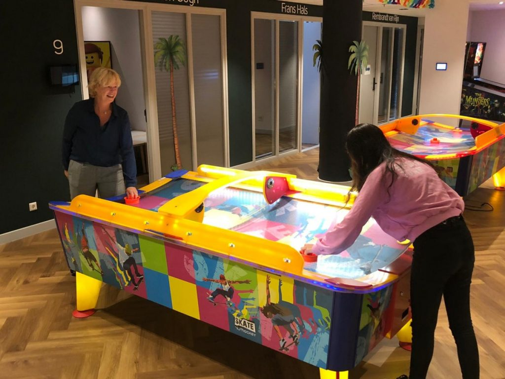 air hockey, all inclusive in Nederland