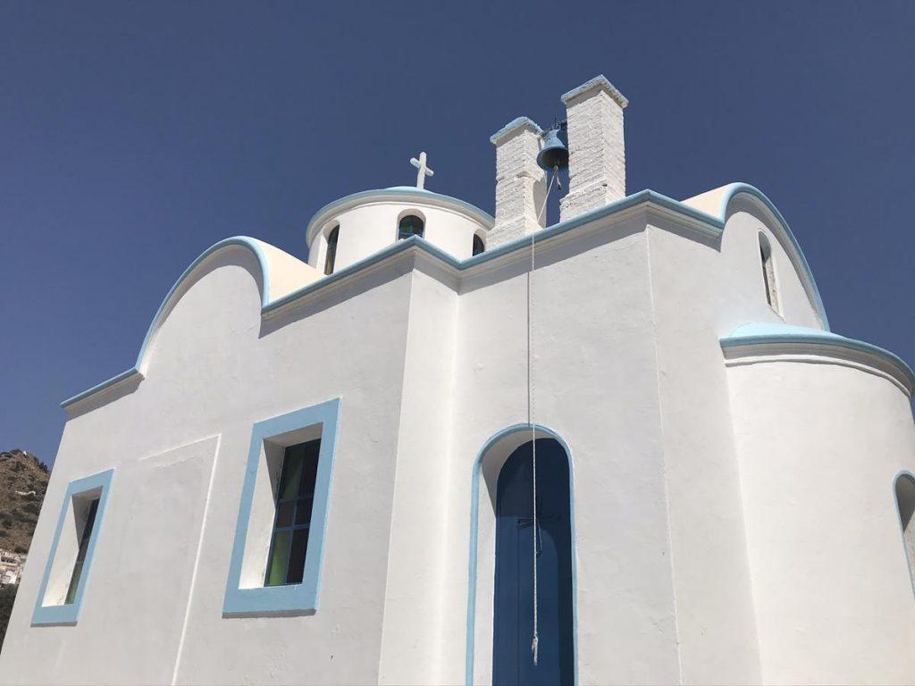 Menetes, blauw wit, Karpathos, kerkje