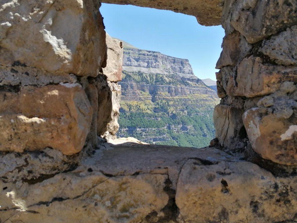 Uitzicht op de bergen van Ordesa Monteperdido