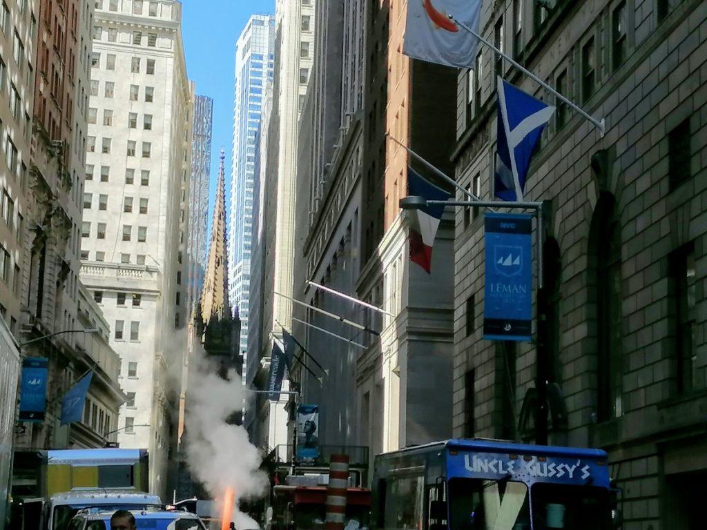 Financial District, Trinity Church, New York, city trip, travelblog