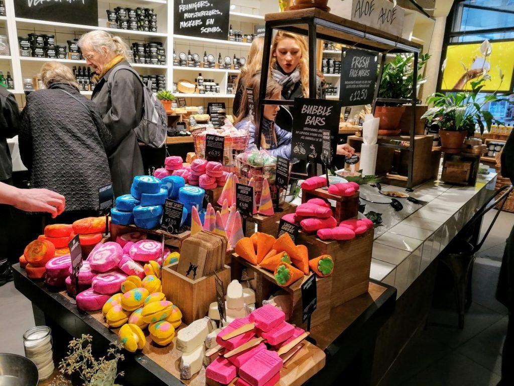 winkelen, koopgoot, rotterdam, travelblogger, holland, reisblogger, lush, dagje uit met tieners
