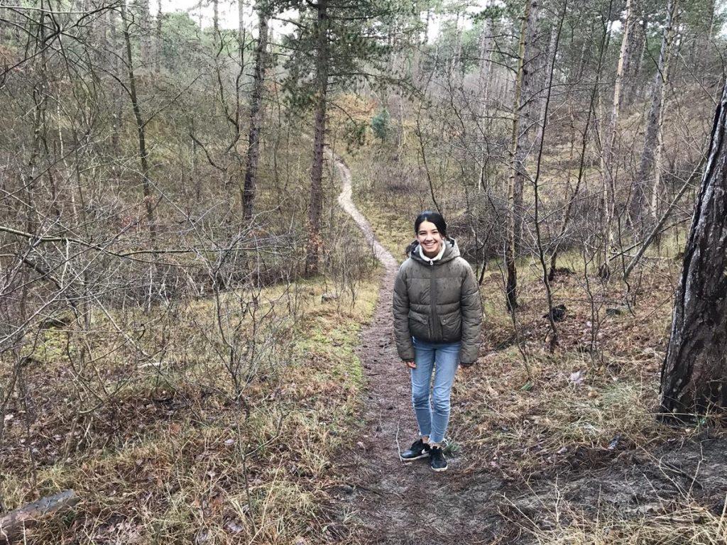 wandelen met tieners in de boswachterij Westerschouwen