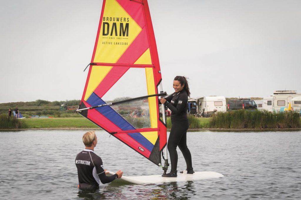 leren surfen , zomervakantie met pubers in Nederland