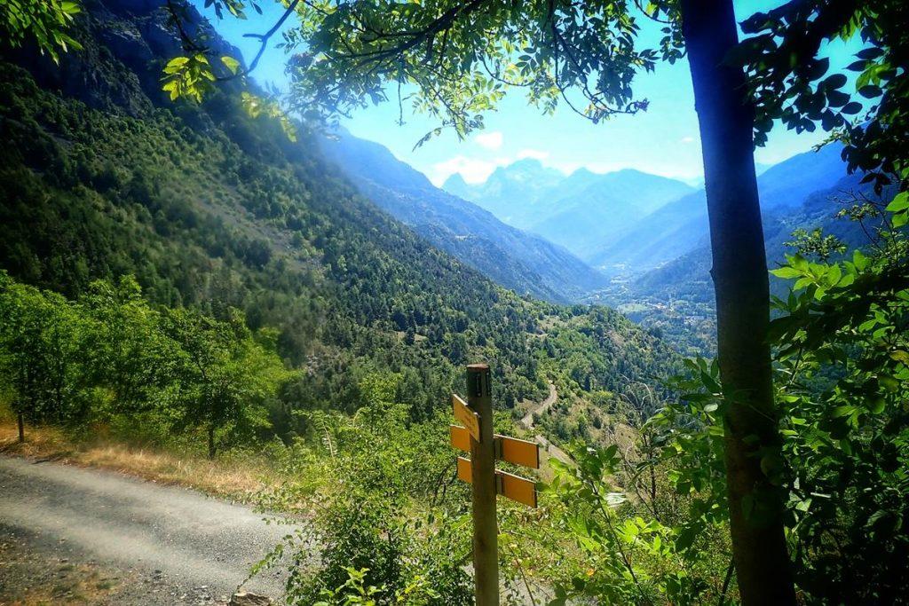 met tieners naar de Franse Pyreneeën